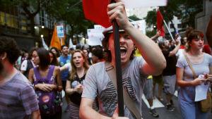 Presidentti Dilma Rousseffin eron jälkeen Brasilia on ajautunut epävakauteen.