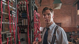 Jännittävä tosipohjainen sotatarina sekä koskettava henkilökuva Alan Turingista.