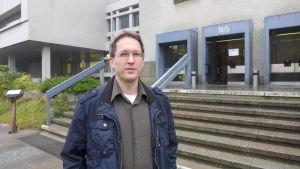 Kemisten Günther är rädd för den högerextremistiska faran.