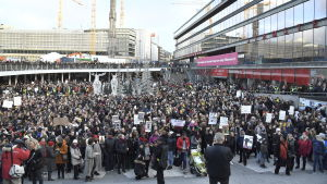 Manifestation mot slavhandel på Sergels torg.
