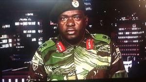 Generalmajor Sibusiso Moyo meddelade på statlig tv den 15 november att militären tagit kontroll över landet.