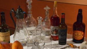 Dryckesutbudet på Vallgrens julbord i Borgå museum.