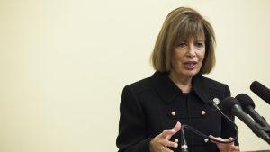 Demokratiska kongressledamoten Jackie Speier i närbild.