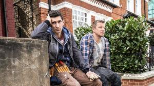 Emmy-palkittu draamasarja Capital – rahan mahti (12) kuvaa elämää eräällä Lontoon pikkukadulla.