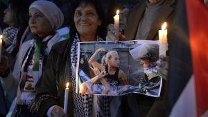 Ahed Tamini har ett stort stöd bland palestinier runt i världen.