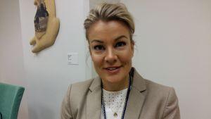 projektsakkunnig Lotta Engdahl vid Finansministeriet.