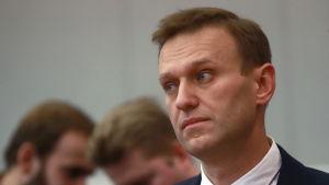 Ryske oppositionspolitikern Aleksej Navalnyj inför den ryska centralvalnämnden i december 2017.