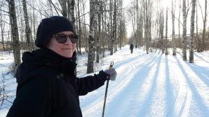 Mirja Kytömäki i skidspåret i Viksstranden.