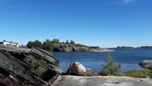 Hav, klippor och vrak i Vänö