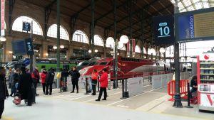 Under torsdagen är det demonstration mot regeringens reform angående statliga järnvägsbolaget Sncf. Flera franska fackförbund har meddelat att de ska strejka 35 gånger till under de kommande tre månaderna.