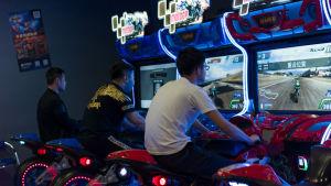 """För mycket spelande kan leda till sänkta poäng i Kinas nya """"sociala kreditsystem""""."""