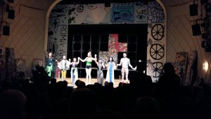 Scen från Maxim Gorki-teatern.