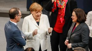 Tysklands justitieminister Heiko Maas, Angela Merkel och Andrea Nahles i förbundsdagen den 14 mars.