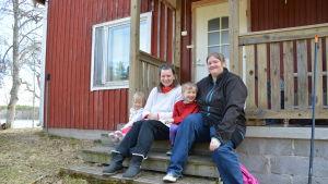 Från vänster: Sofia, Hanna, Kristian och Roosa Höglund.