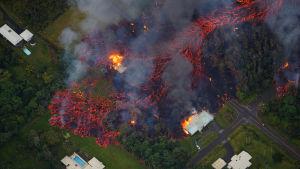 Lavaspår från vulkanen Kilauea på Hawaii i maj 2018.