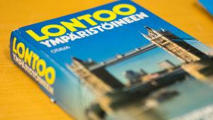 Lontoon matkaopaskirja.