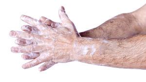 Ett par intvålade händer.