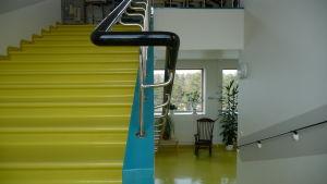 gula trappor på sanatoriet i pemar.