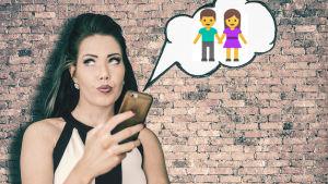 Nainen seisoo tiiliseinän edessä, kännykkä kädessä ja katso yläviistoon. Kännykästä tulee puhekupla, jonka sisällä on nainen ja mies.