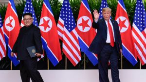 Kim Jong-Un och Donald Trump innan Kim lämnar toppmötet i Singapore.