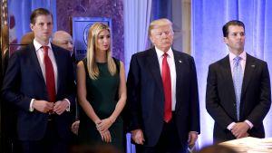 Eric, Ivanka, Donald och Donald Jr Trump.