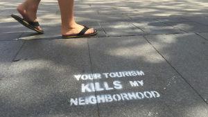 Barcelona, Venetsia ja Dobrovnik houkuttelevat miljoonia matkailijoita.
