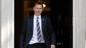 Jeremy Hunt lämnar 10 Downing Street.