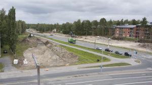 Vägarbete i korsningen Brändövägen-Alskatvägen i Vasa.