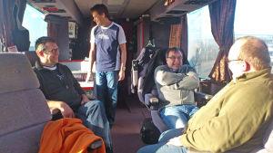 San Marinos & Lindas medlemmar i turnébussen