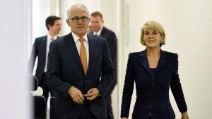 Både Malcolm Turnbull och utrikesminister Julie Bishop tros lämna politiken efter att de förlorade liberalernas ordförandevalet