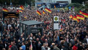 Högerextrema demonstrerar i Chemnitz i Tyskland.