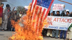 USA har länge varit ytterst impopulärt i Pakistan och relationerna mellan länderna befaras bli ännu sämre när Donald Trump är president i USA och Imran Khan leder Pakistan
