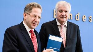 Hans-Georg Maassen, chef för tyska inrikes säkerhetstjänsten  och inrikesminister Horst Seehofer