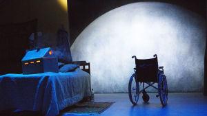 Foto från Fly me to the moon på Lilla Teatern.