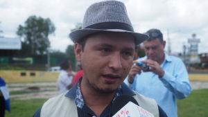Radio Corporación, där Yilber Idiaquez jobbar, rapporterar dygnet runt om krisen.