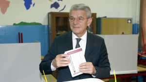 Sefik Dzafevoric represnterar bosniakerna (muslimerna) i presidentrådet