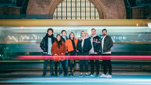Ylen FOMO, eli Viki, Alma, Matti, Emma, Jenspa, Köpi ja Gogi.