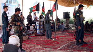 Det afghanska parlamentsvalet hotas av talibanattacker och valfusk. Kandidaten Mie wali ställer upp i ett av de mest osäkra distrikten i den sydliga, krigsdrabbade provinsen Helmand
