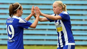 Essi Sainio och Eveliina Summanen gjorde mål då HJK för en vecka sedan besegrade FC Honka  med 3–2.