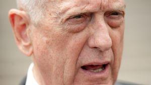 USA:s utrikesminister Jim Mattis den 7 augusti när han talade till journalister utanför USA:s försvarshögkvarter Pentagon.