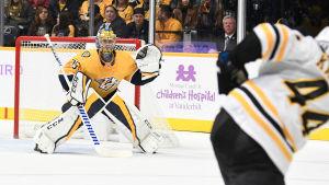 Pekka Rinne står i mål i NHL.