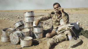 Kaoottisessa Irakissa on työ, jota juuri kukaan ei halua tehdä. Eversti Fakhir Berwari purkaa pommeja.