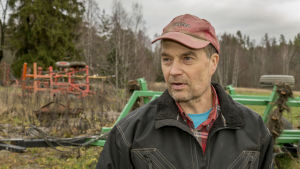 Luomuviljelijä Magnus Selenius