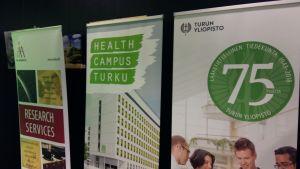 Posters för Åbo Akademi, Health Campus Turku och läkarutbildningen vid Åbo universitet.