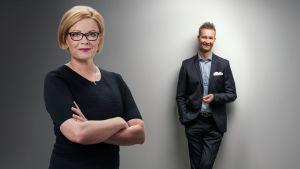 Vaalitenttien juontajat Seija Vaaherkumpu ja Sakari Sirkkanen.