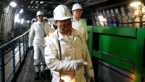 Nordrhein-Westfalens ministerpresident Armin Laschet på besök i stenkolsgruvan i Bottrop.