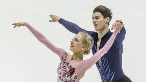 Juulia Turkkila och Matthias Versluis gör sitt första mästerskap tillsammans.