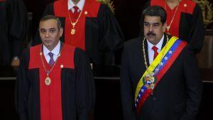 Högsta domstolens ordförande Maikel Moreno och president Nicolás Maduro under Högsta domstolens öppningssession på torsdagen den 24 januari.