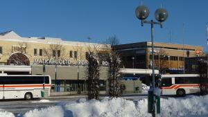 Bussar vid Matkahuolto i Borgå.