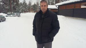 Lasse Olander grävde fram en hästgrav och en flaskpost med ett avskedsbrev i Dragsvik.